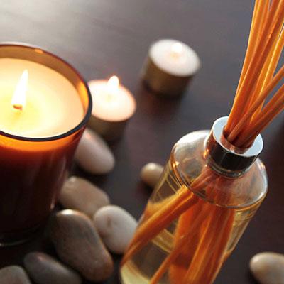 Αρωματικά κεριά για ατμόσφαιρα και θετική ενέργεια